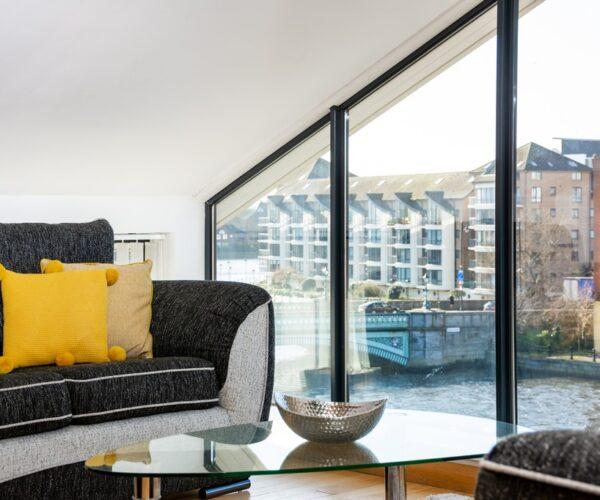Central Belfast Apartments: Pottinger's Quay
